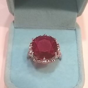 🆕 Beautiful Garnet Ring 💍